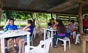 people at lecheria las lapas
